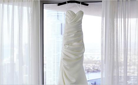 ドレスはレンタルではなく自分の一着としてオーダー